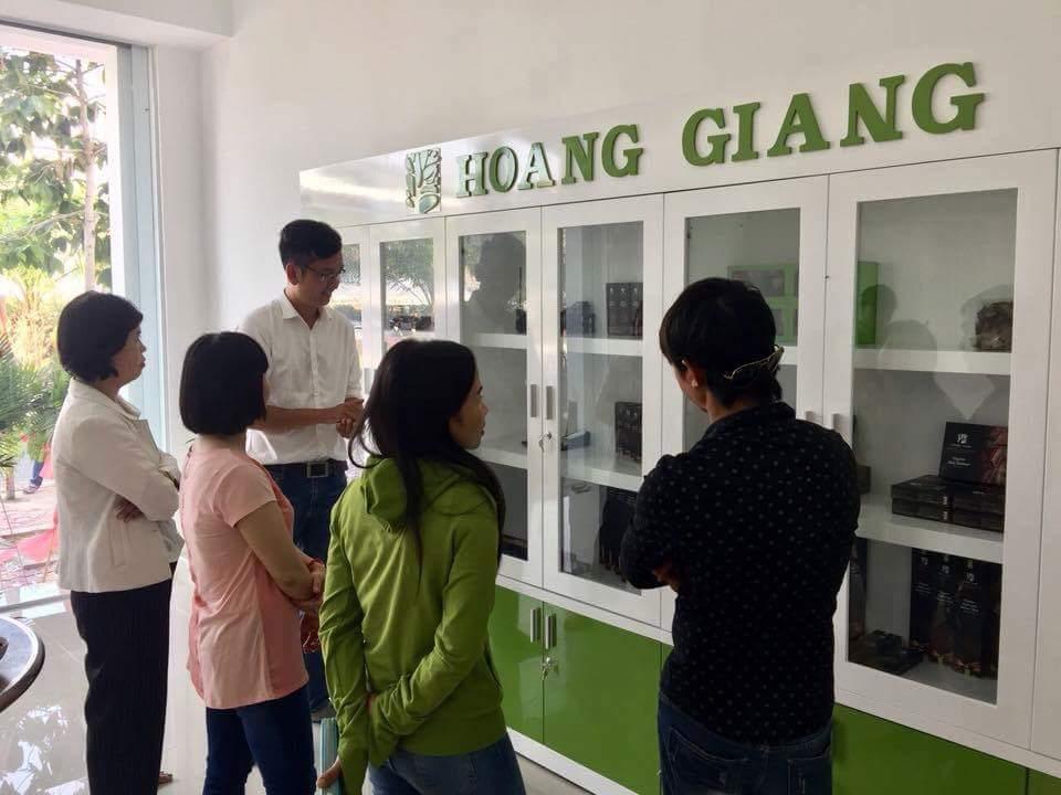 http://www.tramhuonghg.com/wp-content/uploads/2018/04/FB_IMG_1524507525360.jpg